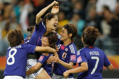 meninas da seleção japonesa comemorando